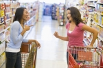 women-in-supermarket